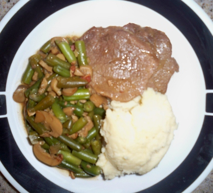 100 3622a 420x382 Busy Mom Meals: Slow Cooker Steak with Green Beans