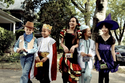 Trick Or Treat For UNICEF: A Better Halloween Option for Children (and Moms!)