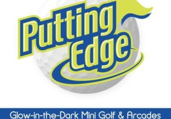 Putting-Edge-Glow-in-the-Dark-Mini-Golf