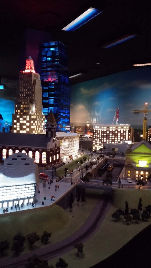 LEGO Moniland at night -- spectacular!