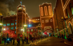 Saint Louis Anheuser-Busch Holiday Lights Returns With More Winter Family Fun! #ABHolidayLights