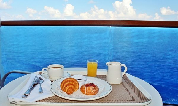 How To Eat Healthy On A Cruise Vacation