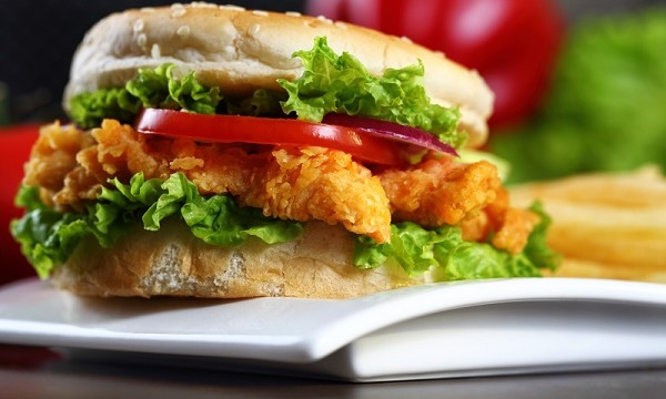 The 20 Fast Food Chicken Sandwiches That Are Highest in Fat, Calories, and Sodium (and the One That Is Lowest)