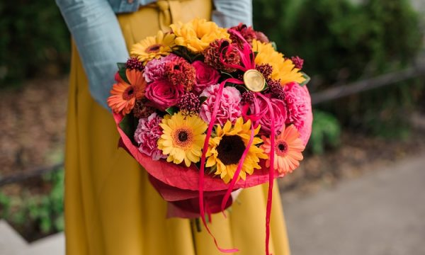 Petal It Forward Spreads Happiness by Surprising People with Flowers