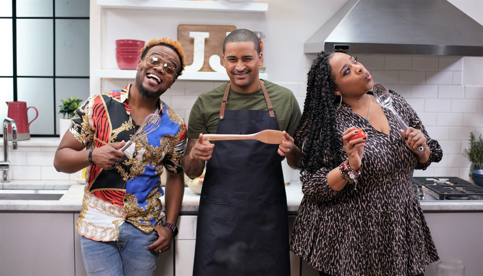 ravis-Greene-And-Kierra-Sheard-Stop-By-for-a-Seafood-Feast-On-Cleo-TVs-Just-Eats-With-Chef-JJ-faith-health-and-home