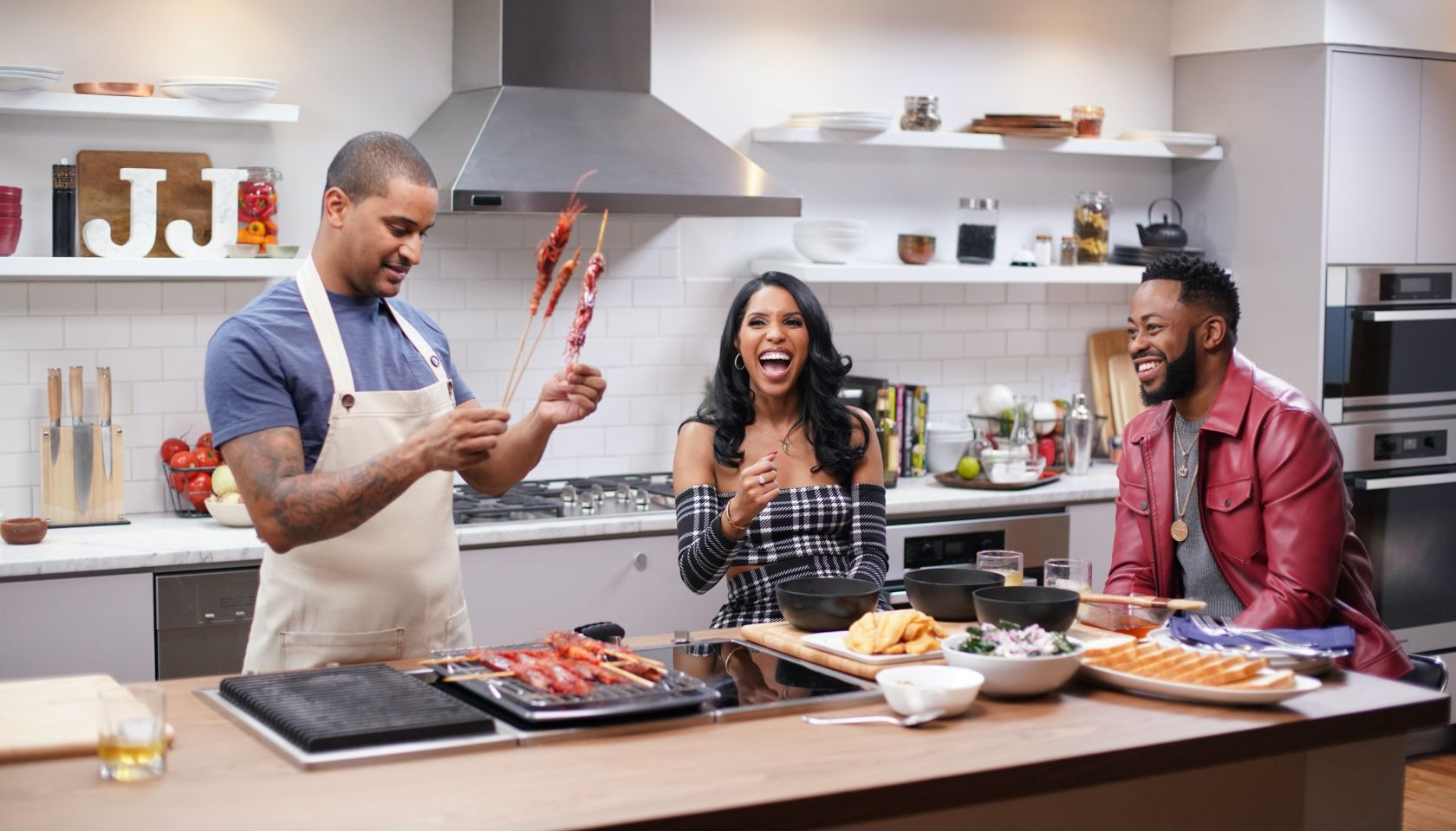 Raheem Davaughn and Comedian Jasmine Brown Drop By Just Eats with Chef JJ to Talk Southern Cuisine